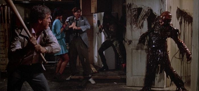 A Volta dos Mortos-Vivos (1985)