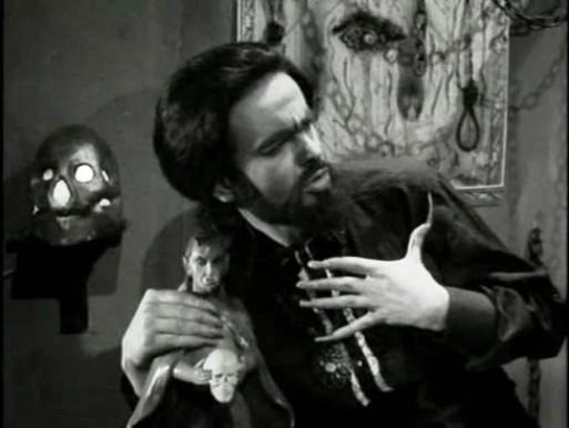 O Estranho Mundo de Zé do Caixão (1968)