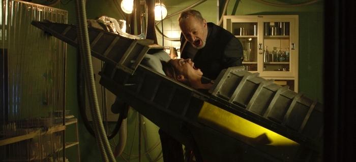 Após tragédia, médico ajuda sobreviventes a superar o trauma.