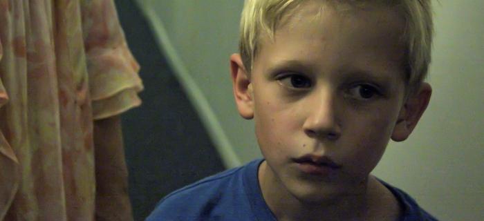 A infância de um serial killer em The Boy