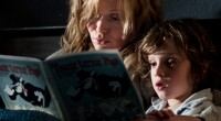Garoto de seis anos acredita que figura de livro que lembra o bicho papão virá matar a ele e a sua mãe.