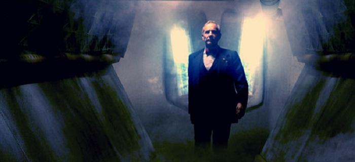 Filme mistura ação a um clima noir que lembra Sin City.