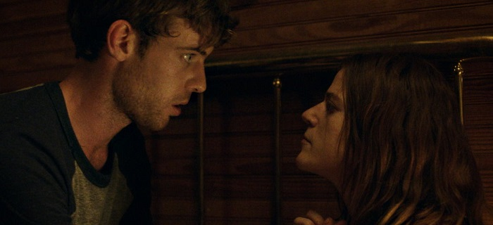 Honeymoon é estrelado por Harry Treadaway e Rose Leslie.