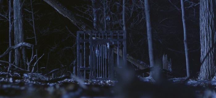 Uncaged é o filme de estreia do diretos Daniel Robbins.
