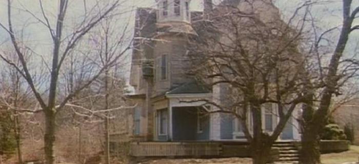 A Casa do Cemitério (1981) (1)
