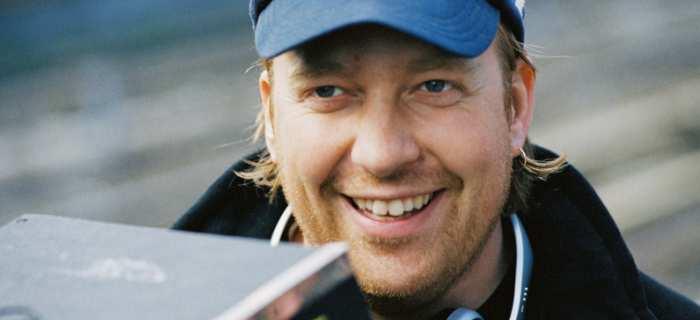 Morten Tyldum foi escolhido para dirigir a adaptação.