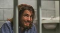 Prometendo uma abordagem mais intensa sobre o serial killer, longa o acompanha da infância até sua prisão.