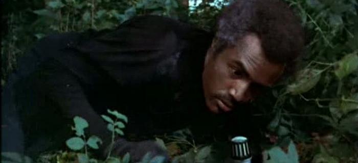 A Fera deve Morrer (1974) (2)