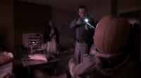 Adolescente grávida deve sobreviver à noite de Halloween quando três mal-intencionados batem à sua porta