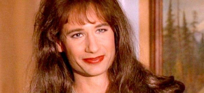 Em Twin Peaks, Duchovny viveu a agente transgênero Denise Bryson