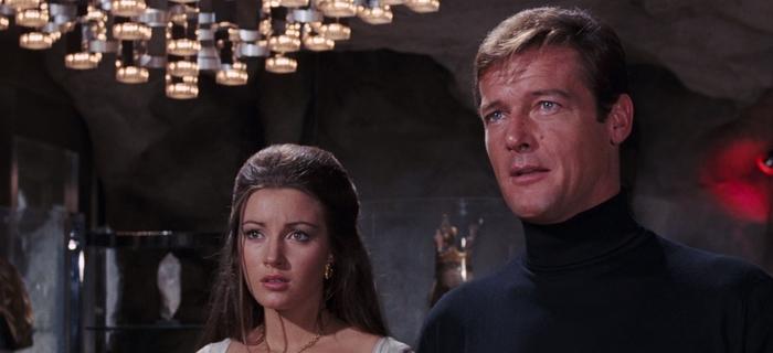 Com 007 Viva e Deixe Morrer (1973) (1)