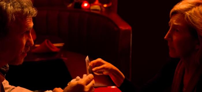 Lin Shaye reprisa seu papel como a psíquica Elise Rainier. Lin Shaye reprisa seu papel como a psíquica Elise Rainier.