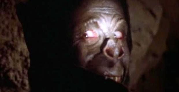 Bagaceira obscura dos anos 70, em um dos primeiros trabalhos de maquiagem do cultuado técnico em efeitos especiais Stan Winston!