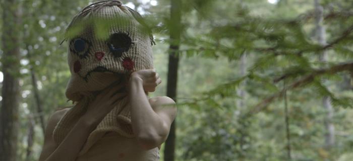 Filme mistura forma documental com narrativa ficcional e aborda o estupro e a violência constante que as mulheres sofrem