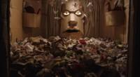Artista constrói um forte em seu quarto e acaba preso em meio a armadilhas e criaturas que ele mesmo criou