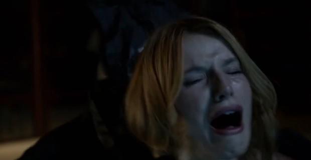 A cena apresenta os primeiros assassinatos e também a nova e definitiva máscara de Ghostface!