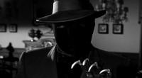 Mantém o interesse e prende a atenção do espectador ao acompanhar a trajetória do ladrão e assassinado mascarado conhecido como O Morcego!