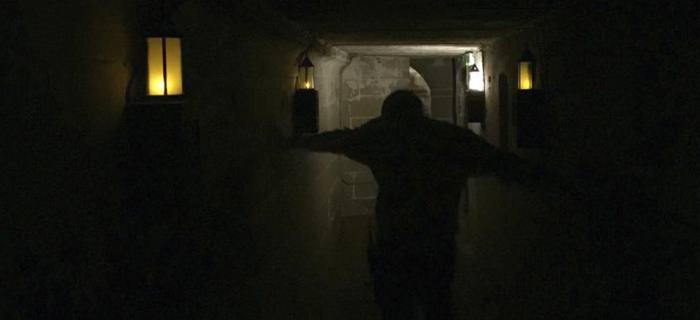 Rats tem roteiro e direção de Mark Logan