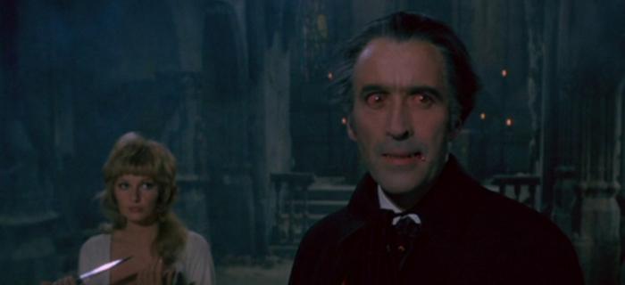Drácula no Mundo da Minissaia (1972)