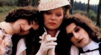 Como uma respeitosa vencedora do Oscar e a menina que fez sexo com Marlon Brando foram parar nesta comédia fuleira sobre vampiros...