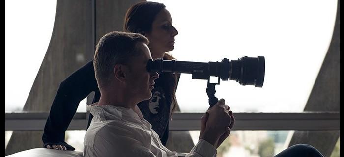 Diretor Nicolas Winding Refn no set de filmagens