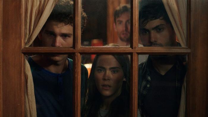 Cabana do Inferno (2016) (2)