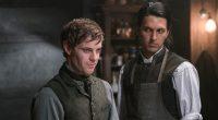 O ator Shazad Latif fala sobre o relacionamento entre seu personagem e o jovem Dr. Victor Frankenstein.