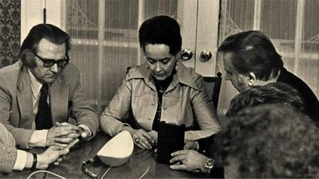 Ed e Lorraine Warren investigando Amityville
