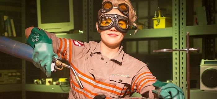 Kate McKinnon é a intérprete da engenheira nuclear Jillian