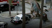 Tranqueira da produtora The Asylum sobre dinossauros recriados por biotecnologia, invadindo Los Angeles e saboreando a carne dos americanos!