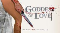Figura com cabeça de cavalo assombra mulher no filme psicodélico Deusa do Amor