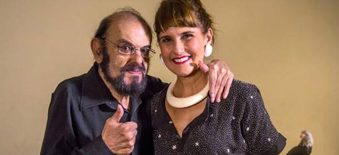 Simone Zuccolotto e José Mojica Marins, o cineasta pai do horror brasileiro no cinema.