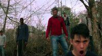 Crítica social ao consumo excessivo de tecnologia vira seu filme de zumbi padrão nesta adaptação de Stephen King!