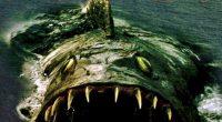 Troque o tubarão por outro peixe assassino, mas com história privilegiando o conflito entre os personagens