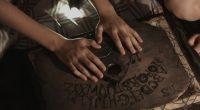 O canal irá realizar sessões de contato com o além através de uma verdadeira tábua Ouija! Você tem coragem?