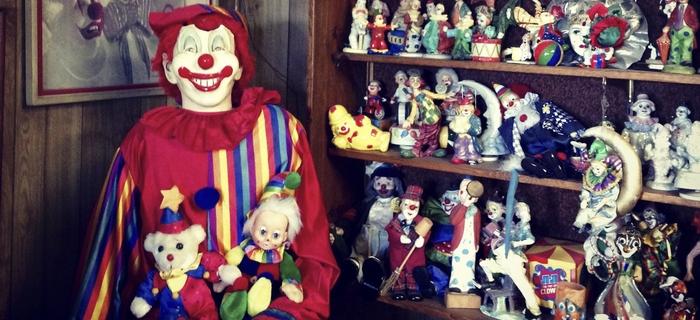 Clown Motel: o hotel repleto de palhaços e supostamente assombrado