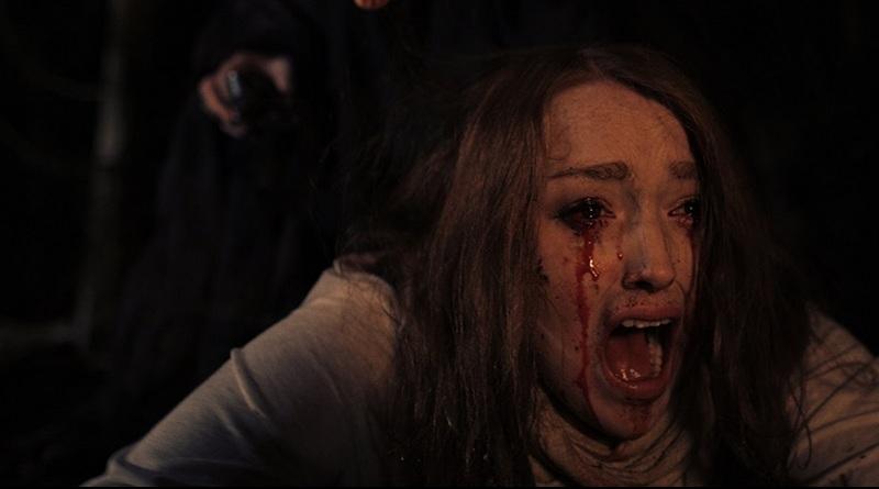Uma casa maldita e a maldição de uma bruxa em dois filmes de James Klass